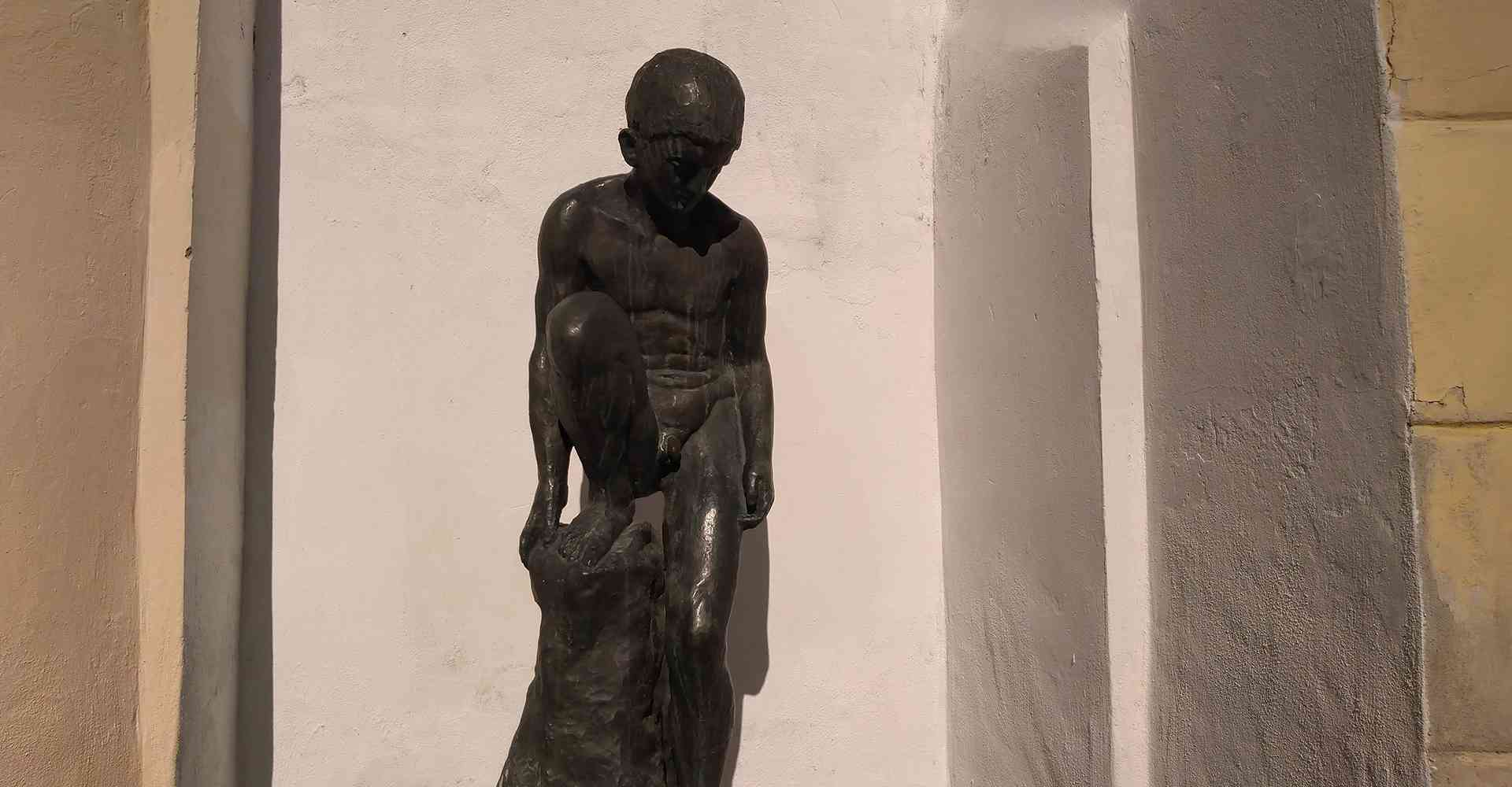 Szentendre_Őri-Art_Gallery_H10-Statue_of_the_little_boy