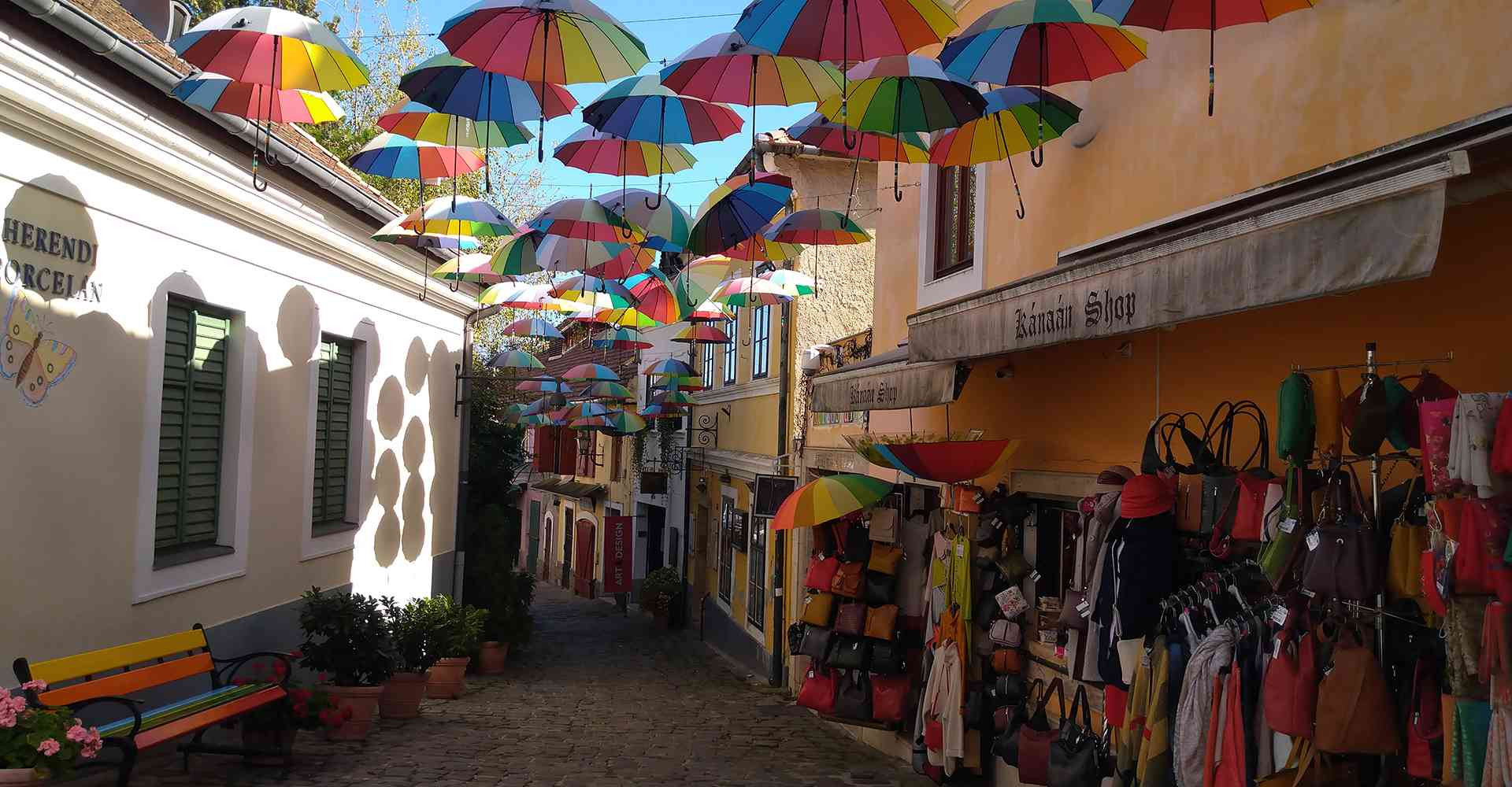 Szentendre_Őri-Art_Gallery_S4-The_colors_of_the_shoppingstreet